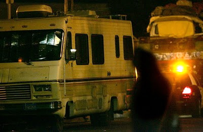 Cops close in on RV at night in Venice - Thanksgiving 2010